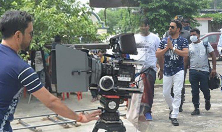 Nirahaua - राजा डोली लेके आजा  मूवी की सूटिंग शुरु हो गईल बा  : BhojpuriTadka