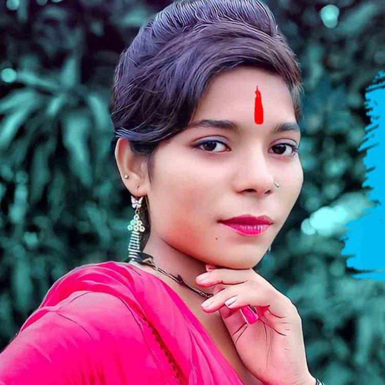 Karishma Kakkar Biography ,Wikipedia,Age,Photo